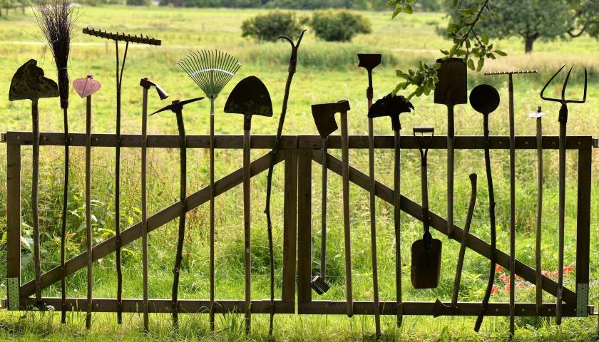 gardening-tools-1478547_1920